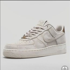 Nike Air Force 1 - cream size 8